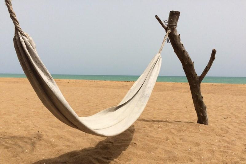 Hängematte am Strand von Grand Popo in Benin