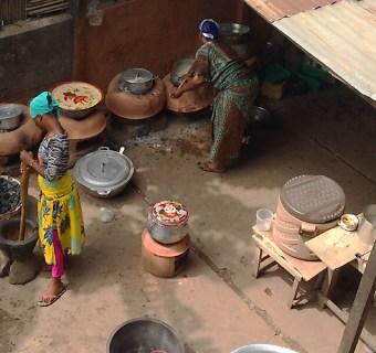 Essen in Togo: Ein Blick in die Töpfe