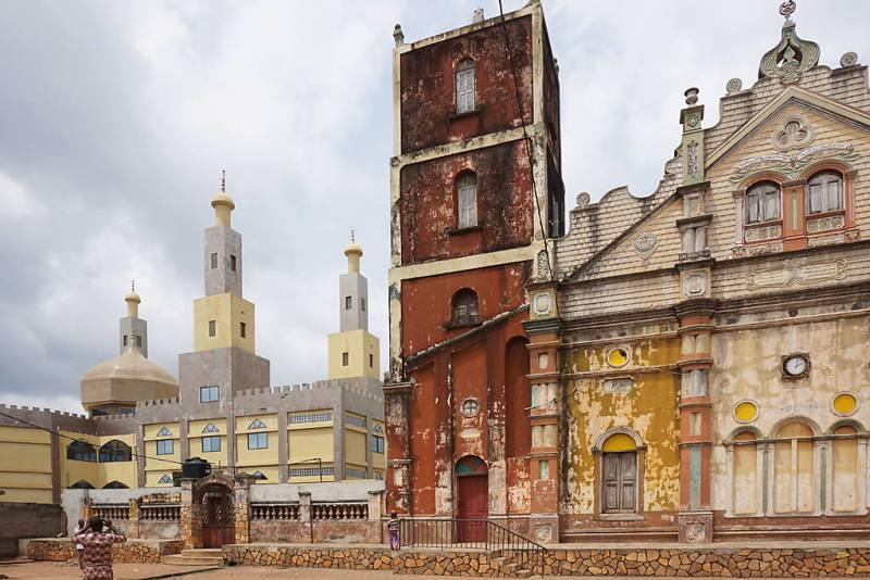 Alte und neue Mosche in Porto-Novo, Benins Hauptstadt
