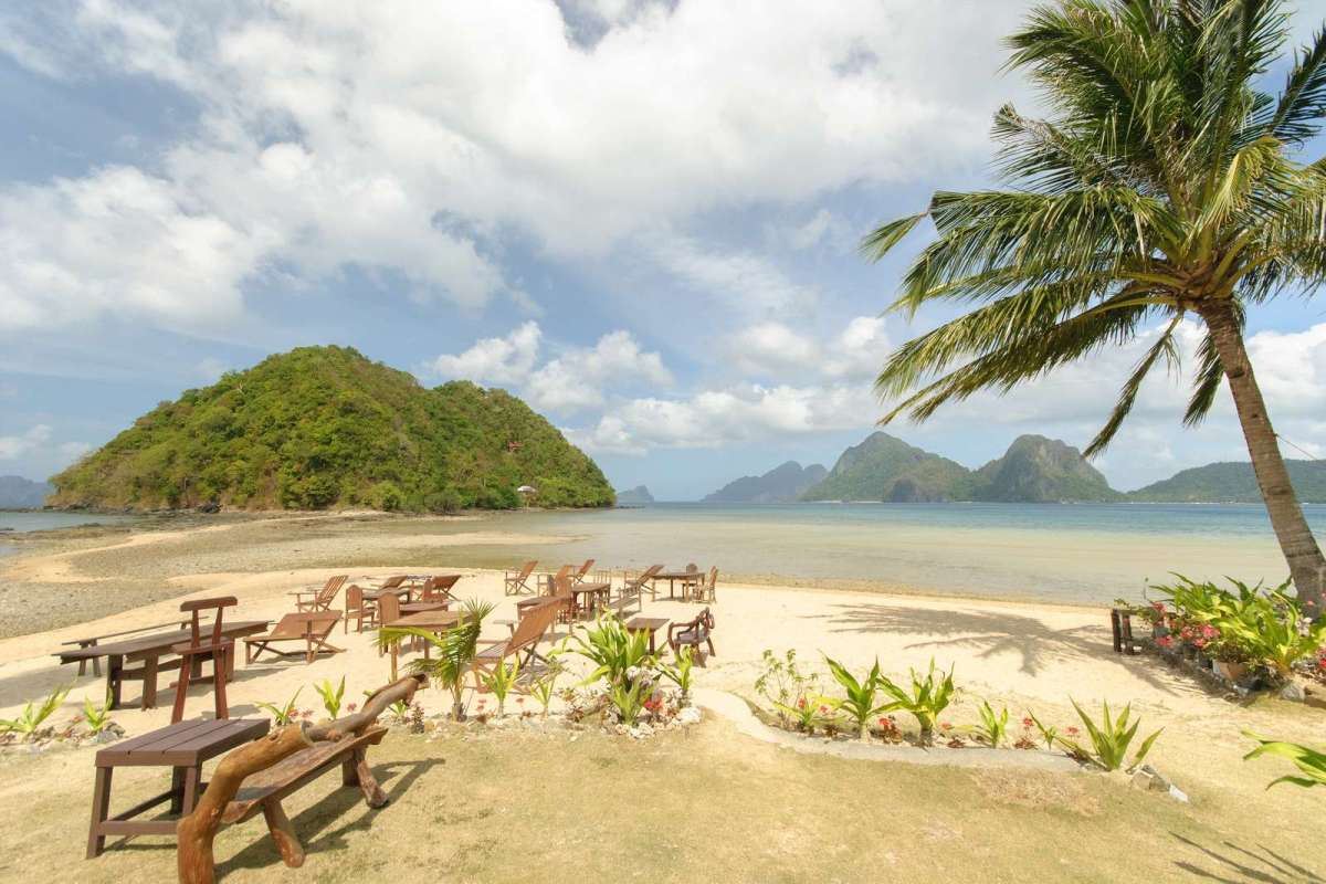 Las Cabanas at Marimegmeg Beach