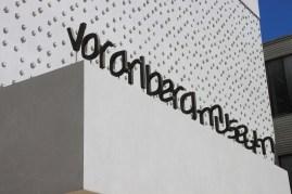 Das vorarlberg museum beeindruckt äußerlich mit seiner PET-Flaschen-Fassade