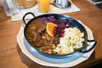 ... und gutes Essen aus regionaler Küche genießen!