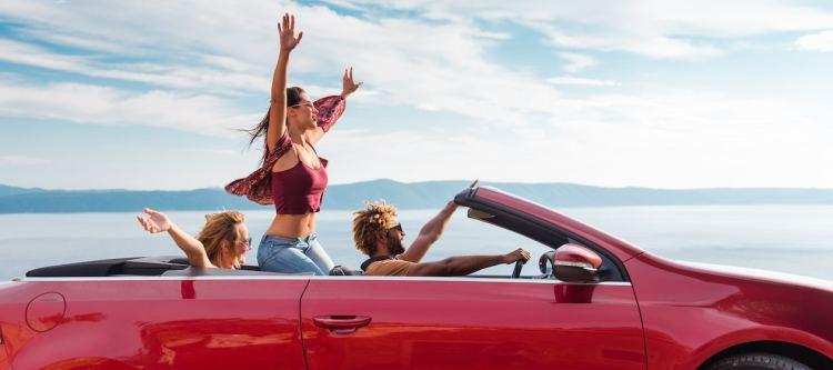 De Jong Intra integreert Sunny Cars als autohuurpartner