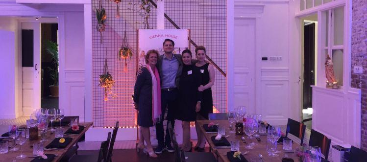 Salesteam van Vienna House.