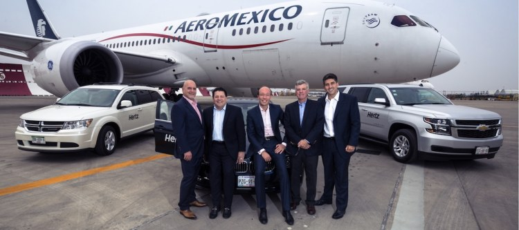 Moises Behar ,CEO Hertz Mexico; Robert (Bob) Stuart, Executive Vice President Global Sales, Hertz; Anko van der Werff, Chief Revenue Officer, Aeroméxico; Peter Ordal, Vice President Strategic Alliances, Hertz and Emilio Monsant, Vice President Ancillary Revenue, Aeroméxico.