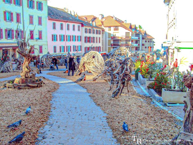 A day in the romantic French town of Evian, Wooden art pieces in Evian, Travel Realizations,
