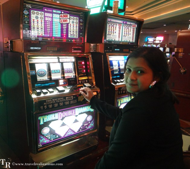 A night in glittering Las Vegas, USA - The Casino capital, Travel Realizations