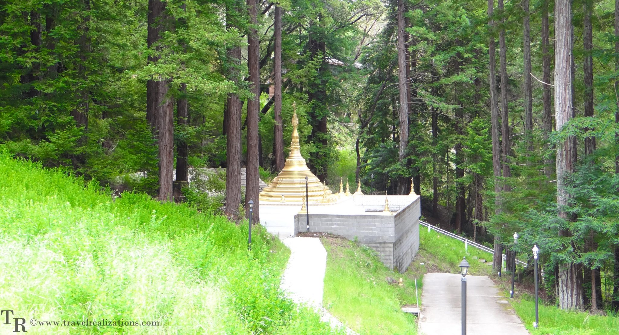 Taungpulu Kaba-Aye Monastery - a Buddhist temple in California