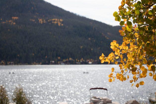 A fall foliage in Grand Lake, Colorado, Travel Realizations