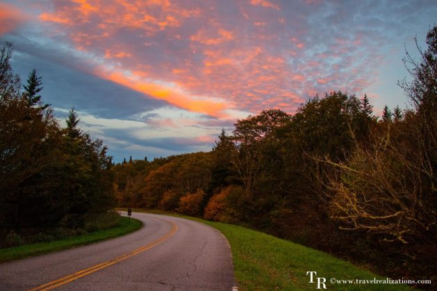 The Blue Ridge Parkway - A passage through paradise, Travel Realizations, USA, North Carolina, Blue Ridge Mountains, sunset, fall colors, autumn