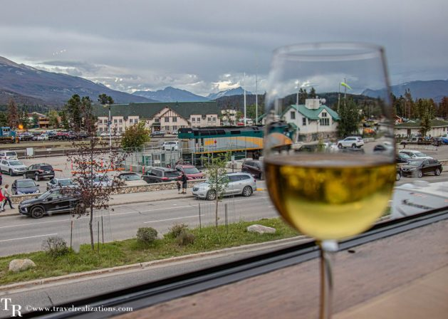 Chronicles of Canadian Rockies - Banff and Jasper, Travel Realizations,  Fiddle River restaurant in Jasper