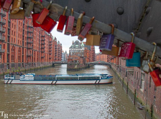 Hamburg the Hanseatic harbor city, Travel Realizations,  Speicherstadt , Love locks
