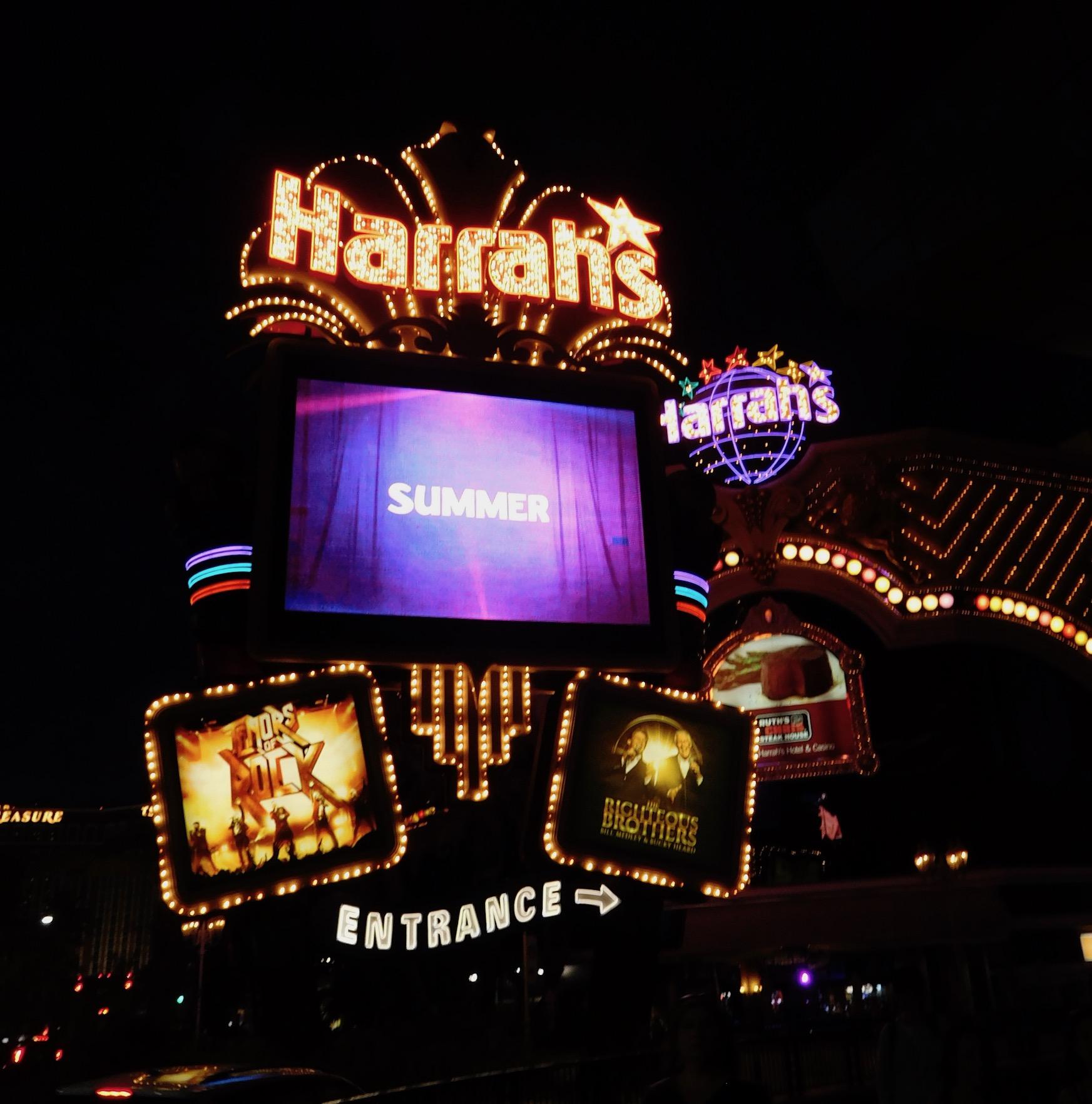 Harrah S And The Linq Promenade Travels With Hian
