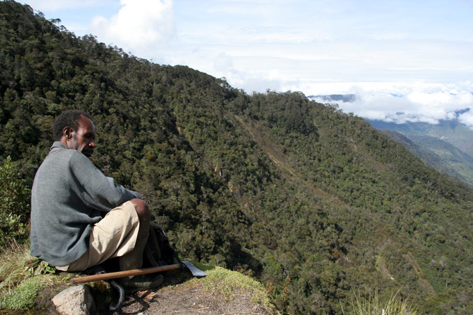 guide papua trek Hiking the Baliem Valley on a budget