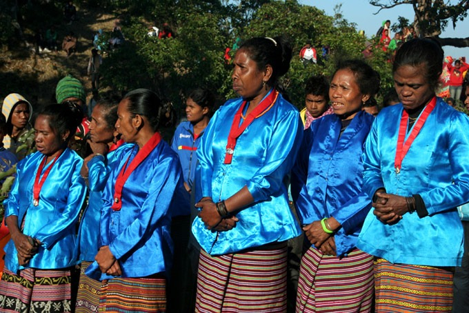 timor ceremony traditional hiking the mount ramelau
