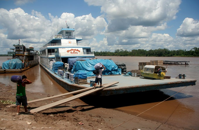 boat trip iquitos Peruvian Amazon. How to get to Iquitos