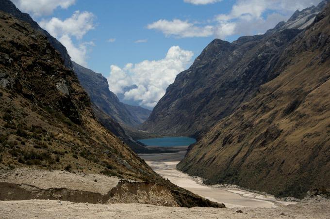 hike valley Santa Cruz trek on a budget