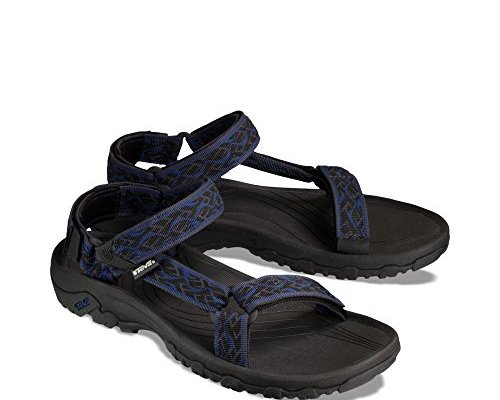 Top 10 Best Hiking Sandals For Men And Women 2018