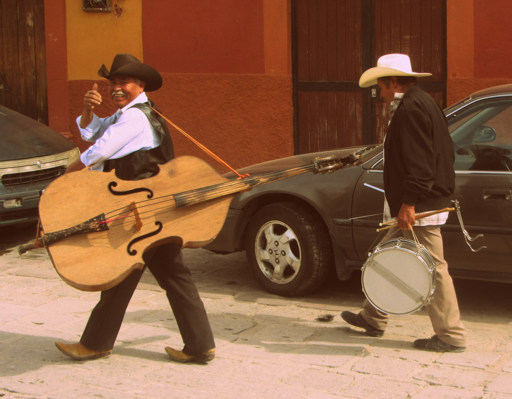 San Miguel de Allende musicians is it safe to travel to mexico?