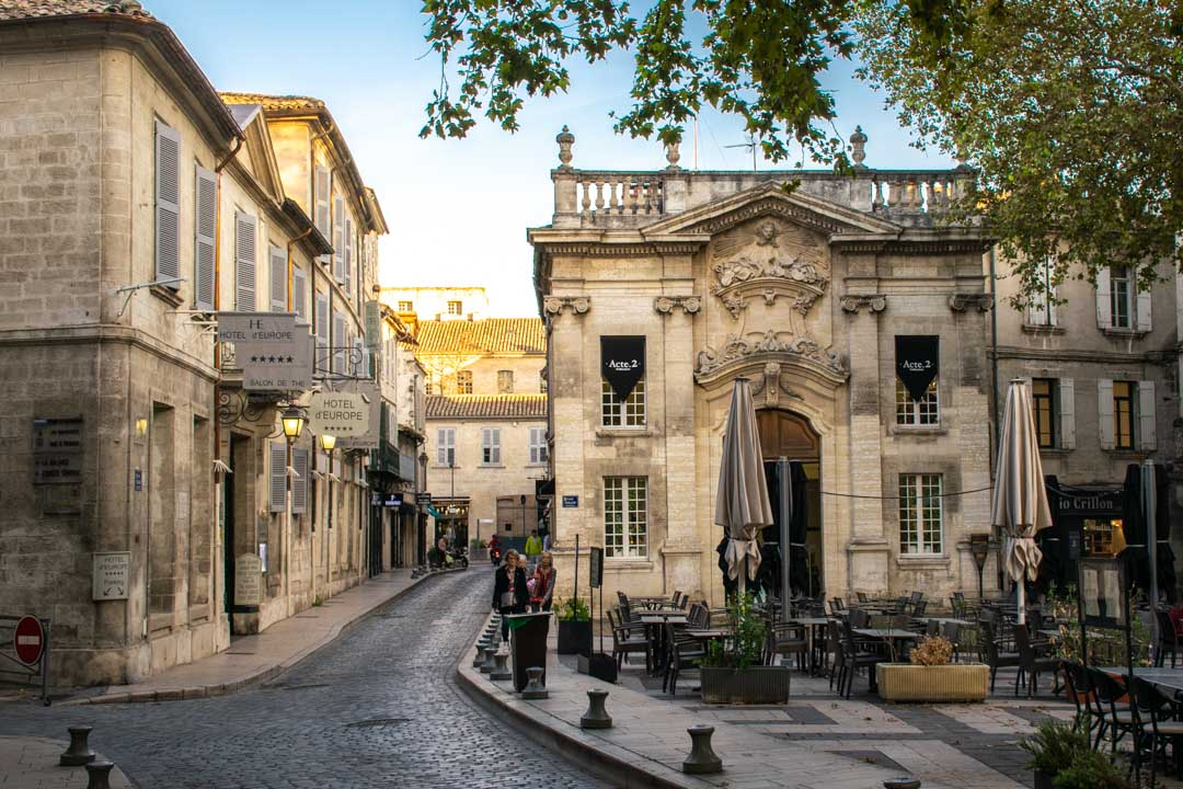 A Quick Sightseeing Guide to Visiting Avignon, France - Travelsewhere