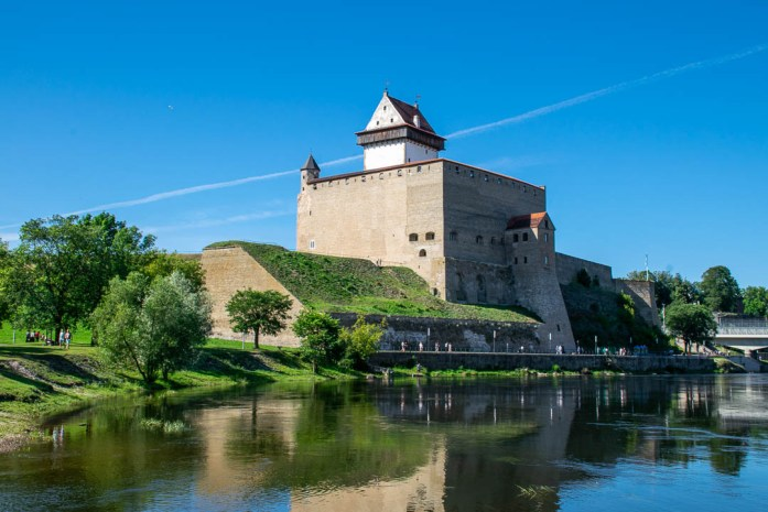5 Reliable Tips for Visiting Narva, Estonia - Travelsewhere