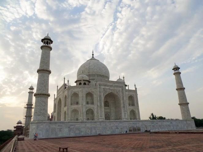 Frontale Seitenansicht Taj Mahal