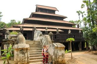 Bagaya Kloster Teakholz