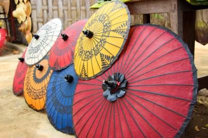 Burmesische Sonnenschirme