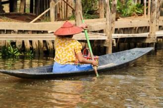 Frau im Boot