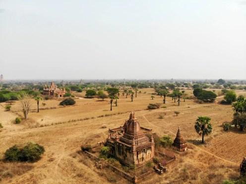 kleine namenlose Pagoden aus der Luft in Bagan