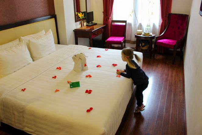 Zimmer Serene Premier Hotel