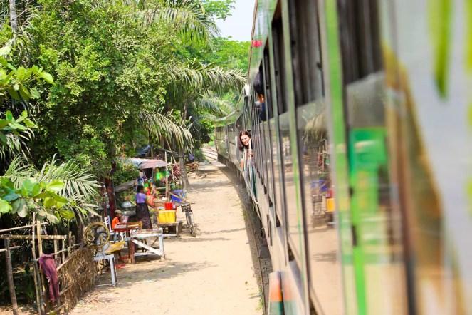 Fahrt Circular Train Yangon