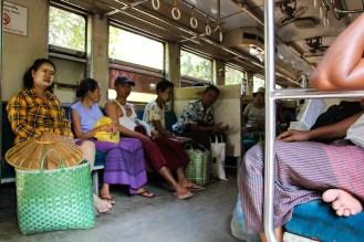 im Zug Yangon