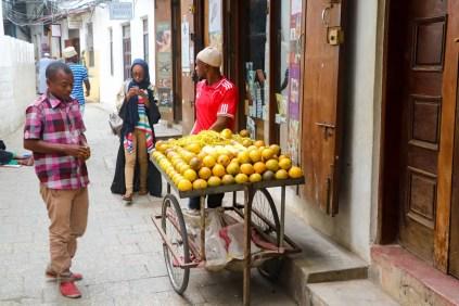 Orangen Verkäufer Stone Town