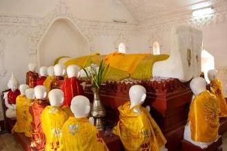 Sterbender Buddha in Kakku