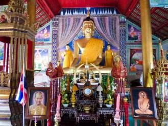 Buddha im Wat Chedi Sao Lang