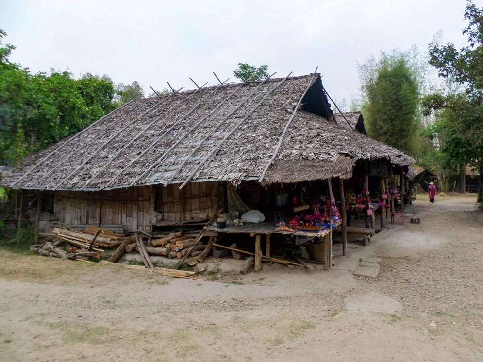 Häuser in Baan Tong Luang