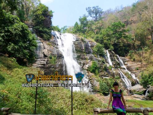 Wachirathan Wasserfall in dem Doi Inthanon Nationalpark