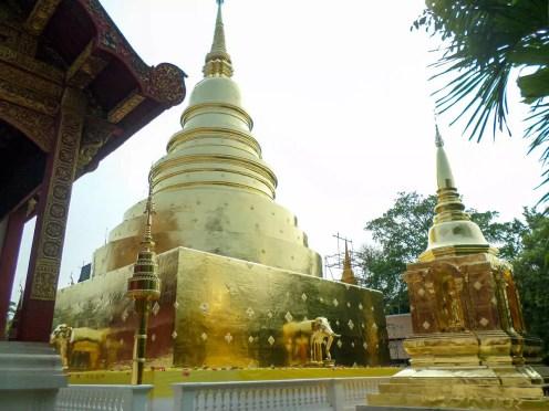 Goldener Stupa am Wat Phra Singh