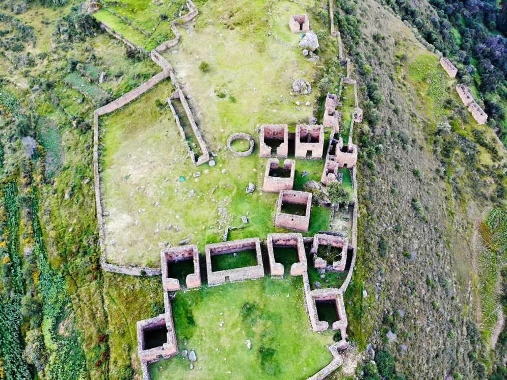 Ruinen von Pumamarka in Ollantaytambo von oben