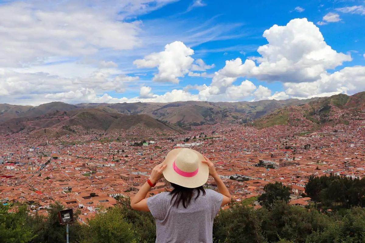 Aussicht über Cusco von Mirador desde el Cristo Blanco