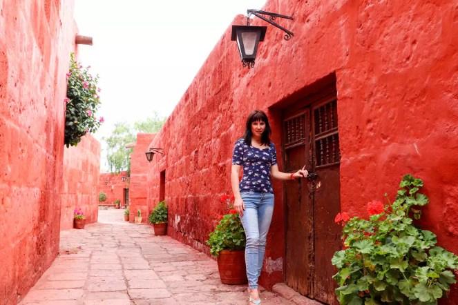 Rote Gebäude im Kloster Santa Catalina in Arequipa