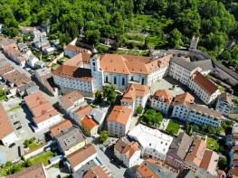 Klosterkirche St. Walburg in Eichstätt aus der Luft