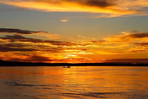 Sonnenuntergang im Amazonas