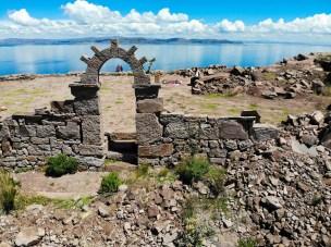 Steintor auf Taquile