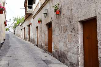 Wohnhäuser aus Vulkanstein in Arequipa