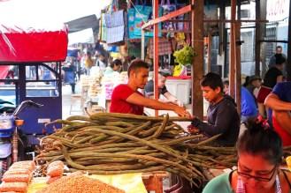 Pacay auf dem Belén Market