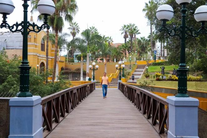 Auf der Puente de los Suspiros in Barranco