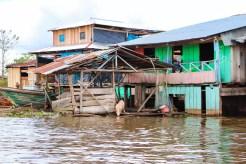Tierhaltung auf dem Wasser Belen Iquitos