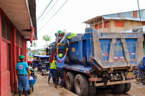 Müllentsorgung in Nauta Peru